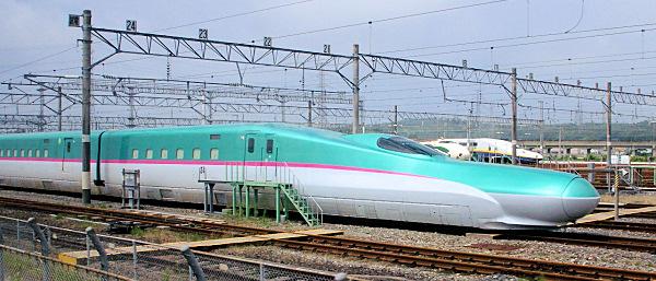 http://www.muza-chan.net/aj/poze-weblog/e5-shinkansen.jpg