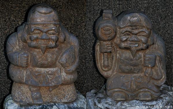 Daikokuten and Ebisu statues, Takao, Tokyo