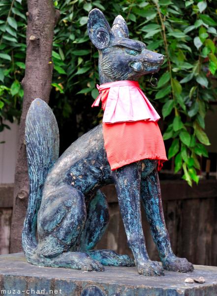 Kitsune Guardian, Kanda Myojin Suehiro Inari Shrine