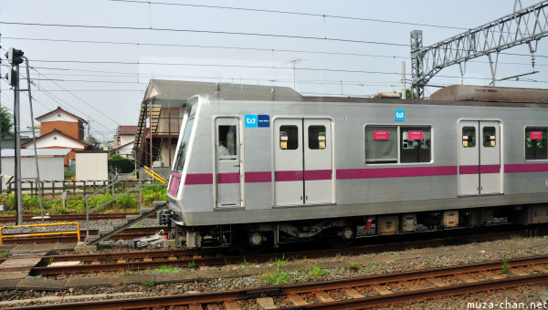 Tokyo Metro Hanzomon on Tobu Line