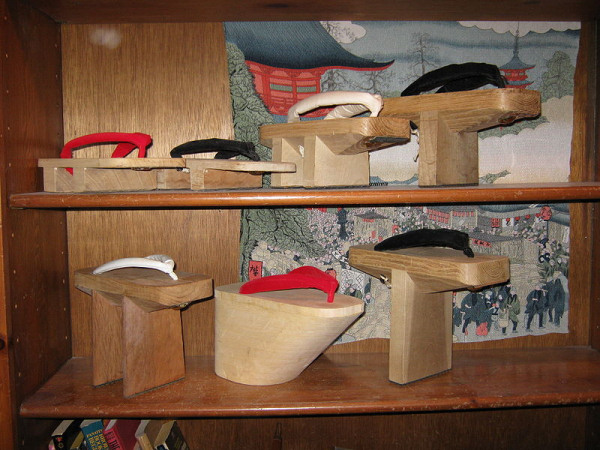 Top souvenirs from Japan - Geta