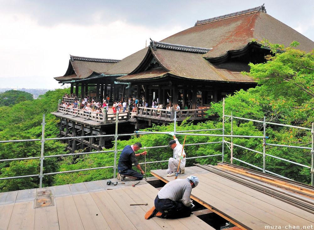 kiyomizu-dera-main-hall-veranda-kyoto-bi