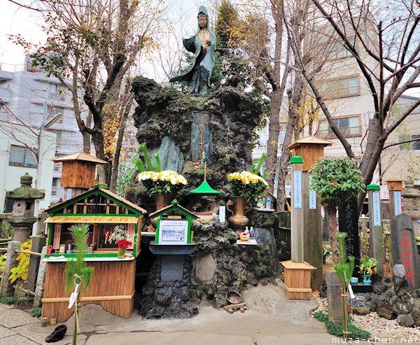 Kannon statue, Yoshiwara, Tokyo