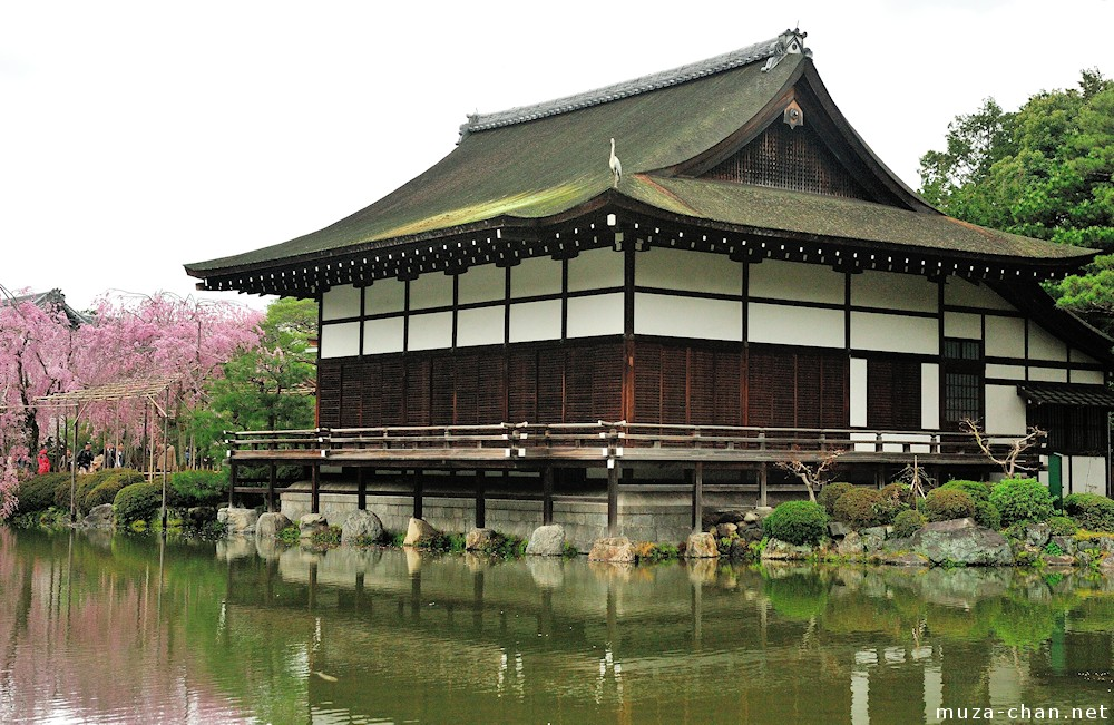 Japanese traditional architecture irimoya zukuri for Architecture japonaise