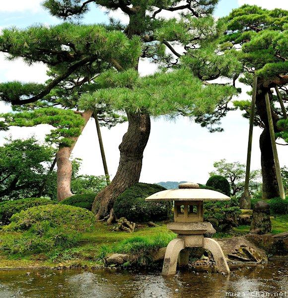Stone Lantern, Kenroku-en Garden, Kanazawa