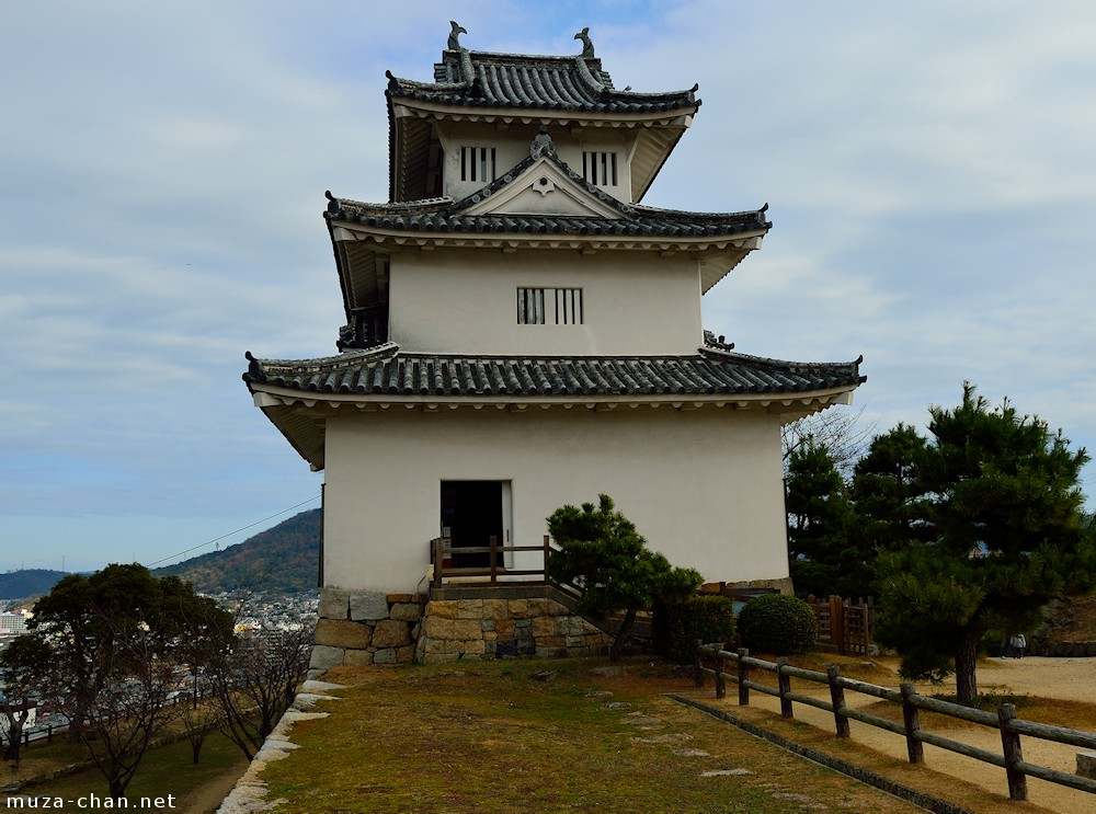 Japanese castle architecture soutou tenshu for Castle architecture design