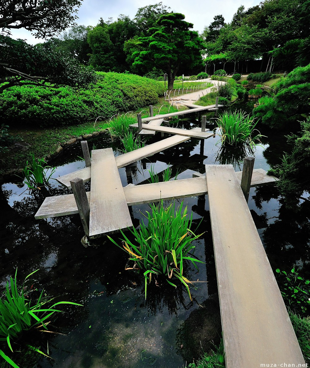 Yatsuhashi japanese garden eight bridges for Japanese garden pond bridge