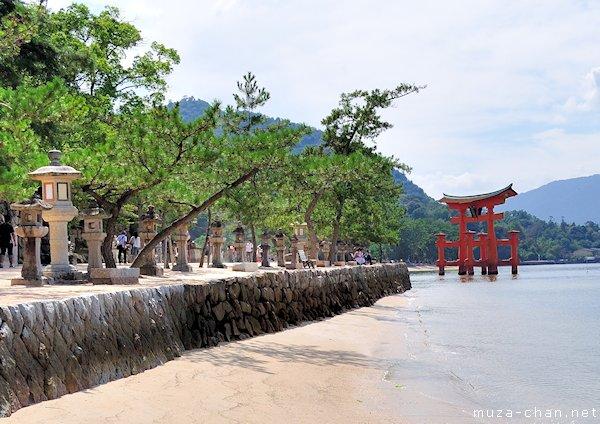 Itsukushima Shrine Torii, Miyajima