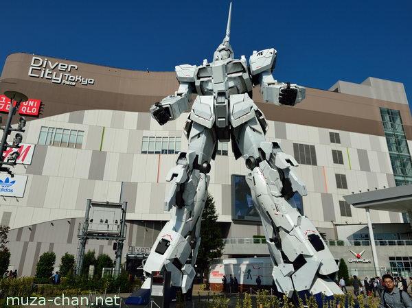 Life-size Statue RX-0 Unicorn Gundam, DiverCity