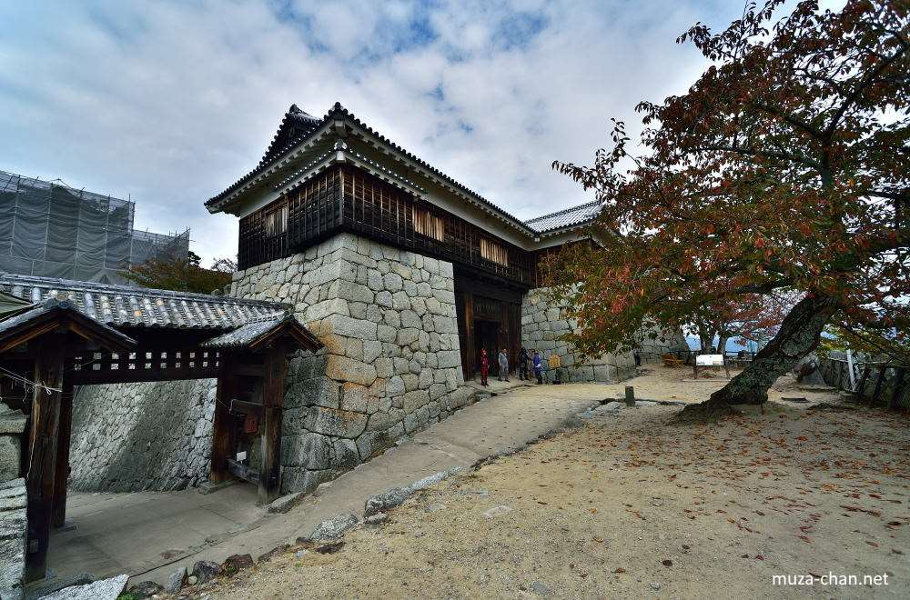 Image gallery japanese castle architecture for Castle architecture design