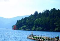 Old and new photos - Lake Ashi