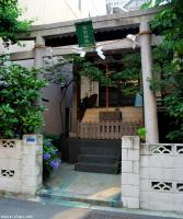 Casual sightseeing in Tokyo - A Shinto Shrine from Edo Dori