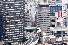 Japan Architecture - Gate Tower, the Skyscraper Pierced by a Highway