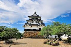 Hikone, the castle saved by the Emperor