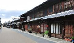 Old street in Gifu Kawara-machi