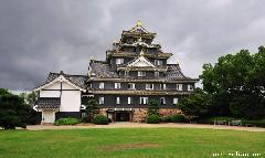 The daily Japan photo is returning - Okayama Castle before the storm