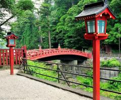 Simply beautiful Japanese scenes, Red lanterns and the sacred bridge
