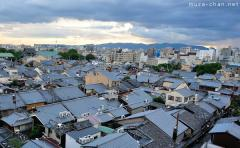 Simply beautiful Japanese scenes, the roofs of Kyoto in Gion