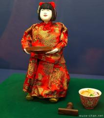 Food-serving Karakuri doll