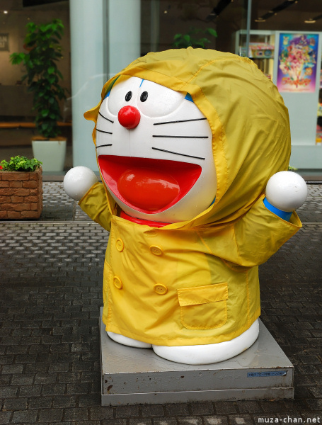 Doraemon statue in front of the Bandai building in Asakusa, Tokyo