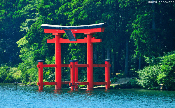 hakone-shrine-01.jpg