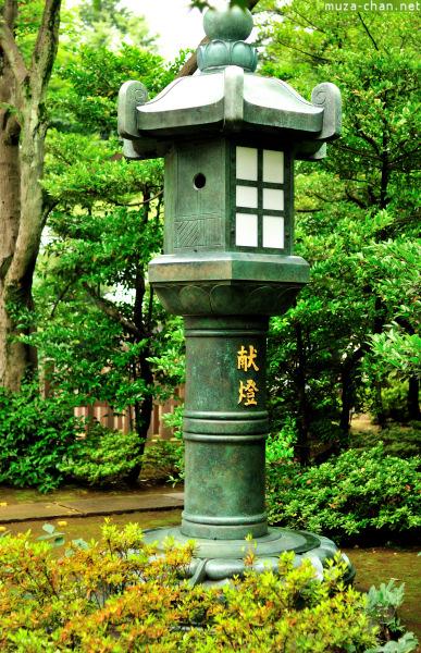 Lantern at Gotoku-ji Temple, Tokyo