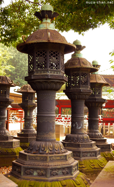 toshogu-shrine-ueno-02.jpg